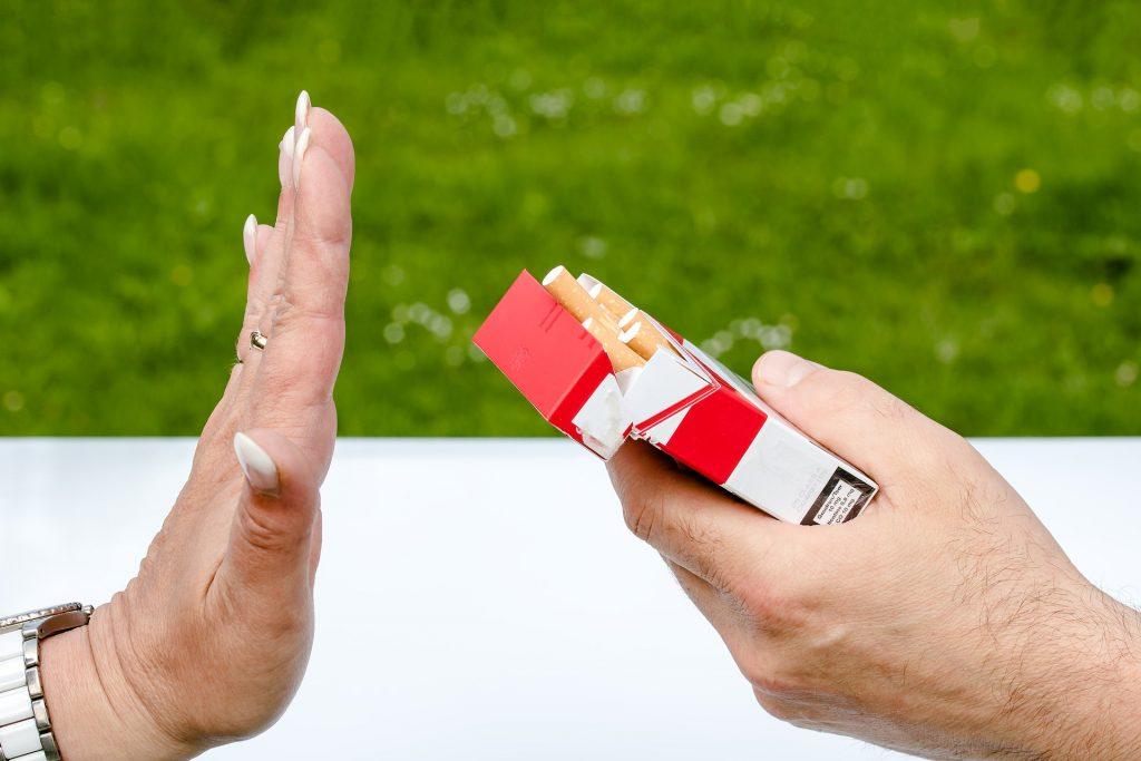 Arrêter de fumer bien avant la grossesse.